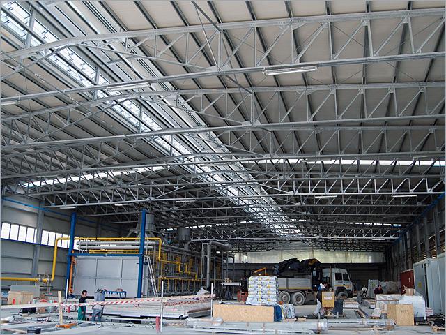 Capannoni industriali in ferro terminali antivento per for Strutture metalliche dwg